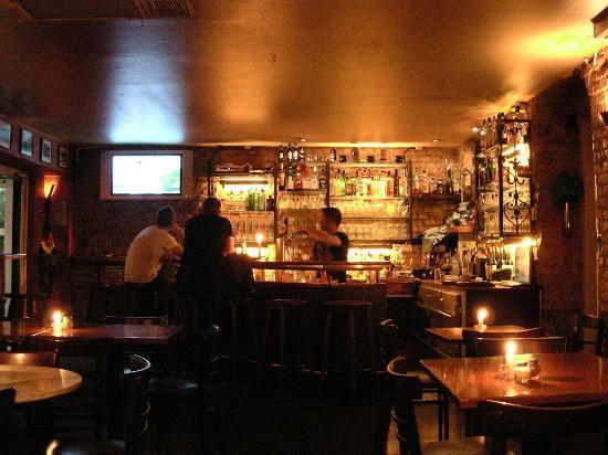 Lir Irish Bar: The Lir Irish Pub interno