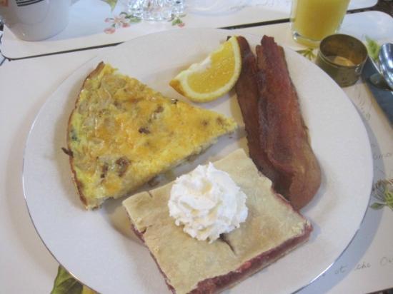 Golden Lantern Inn : wonderful breakfast
