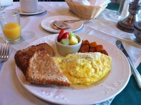 Grafton Inn: Breakfast at the Inn