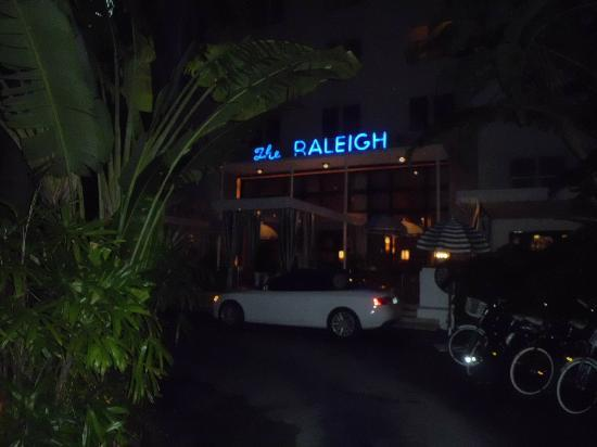 The Raleigh Miami Beach: Movie perfect...
