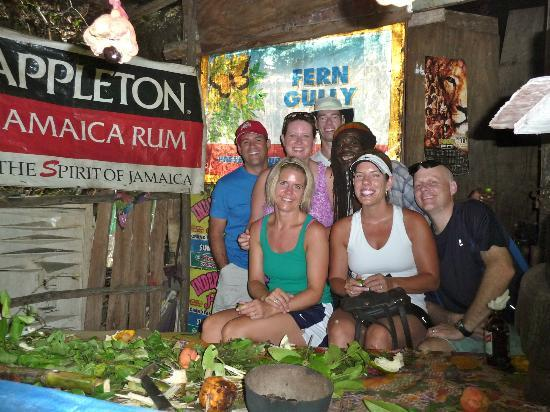 Know Jamaica Tours : Learning from Karl in Fern Gully