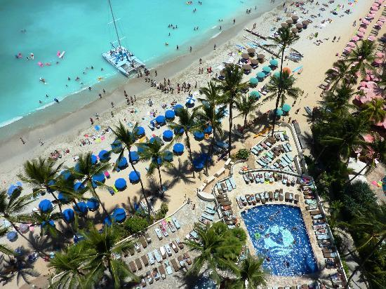Outrigger Waikiki Beach Resort And Pool Area