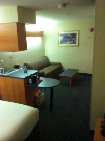 Microtel Inn & Suites by Wyndham Bethel: Sitting area