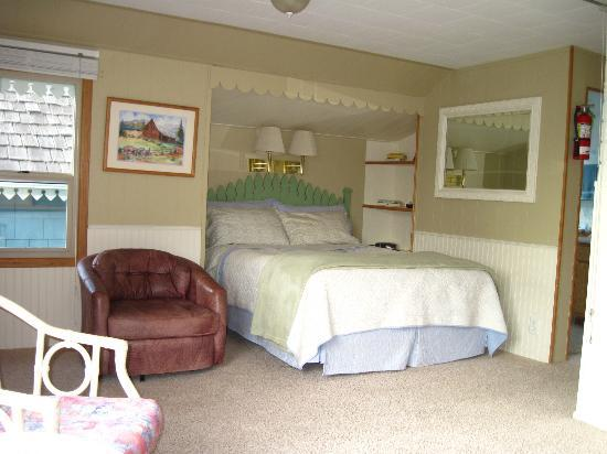 Juan de Fuca Cottages: Sleeping area