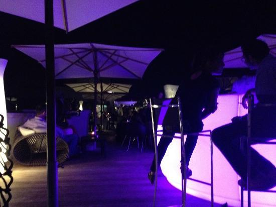 Radisson Blu 1835 Hotel & Thalasso: Rooftop Bar & Restaurant