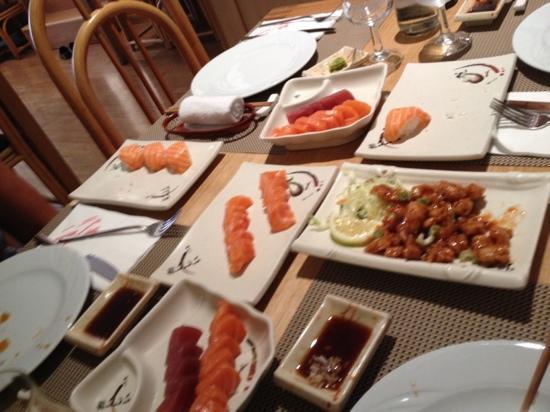 Restaurante Japones Osaka: makis, sushi, pollo teriyaki...