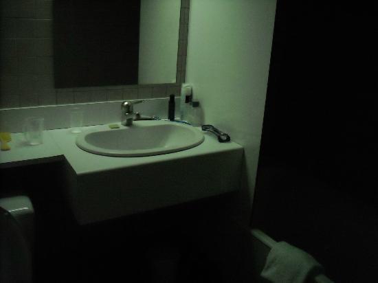 Hotel le Cerf: Salle de bain