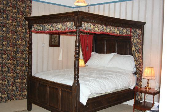 Kerrow House: Our Room
