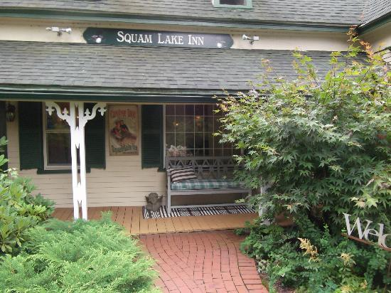 Squam Lake Inn: The entrance