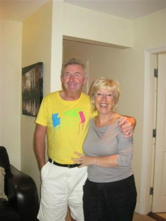 Landfall House Bed and Breakfast: Donie and Margo