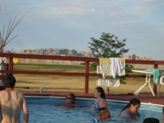 Badlands Interior Motel and Campground: swimming pool