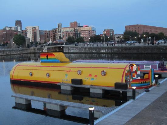 The Beatles Story: Le celebre sous-marin jaune