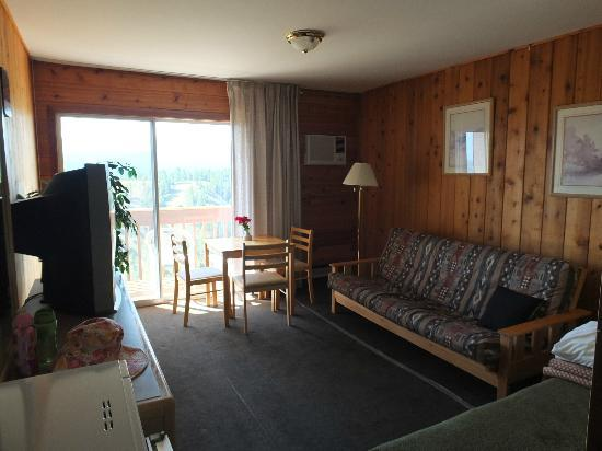 Rocky Mountain Springs Lodge and Restaurant: Room