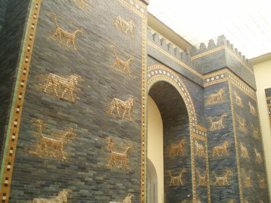 Porta di ishtar a babilonia picture of pergamon museum - Berlino porta di magdeburgo ...