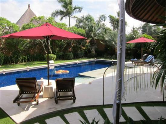 The Kunja Villas & Spa: 3 Bedroom villa poolside