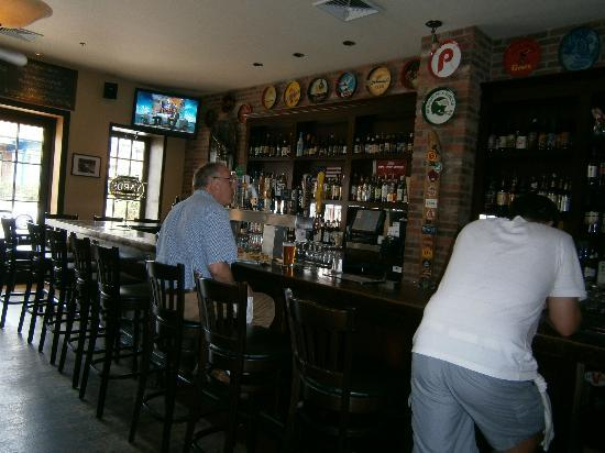 Kite & Key: The Bar