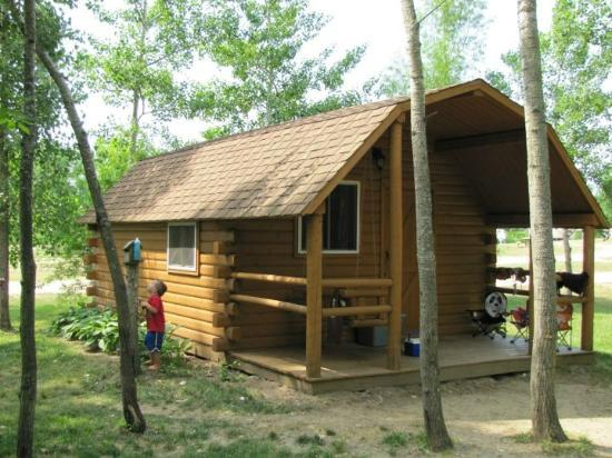 Covert-South Haven KOA: 2 room cabin