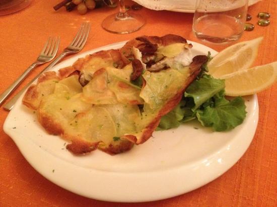 Scalvini: Orata in crosta di patate con porcini!!! Ottima!!!