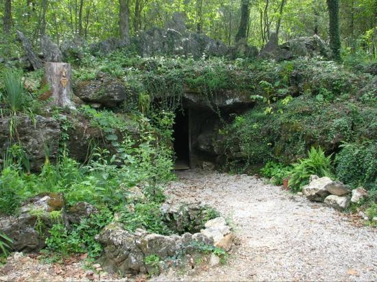 Van Buren, MO: Our beautiful cave entrance