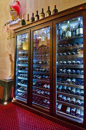Aton Hotel: Wine Collection