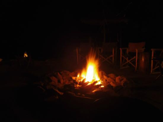 Singita Faru Faru Lodge: Every evening there was a campfire