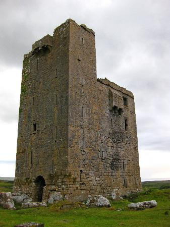 Ballinalacken Castle Country House: the original castle - take the night tour