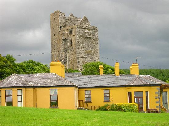 Ballinalacken Castle Country House: The hotel with the original castle behind