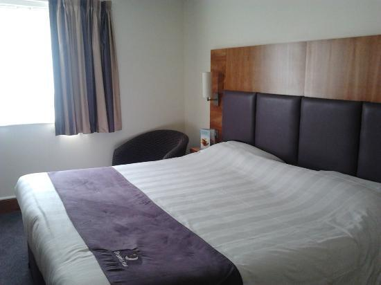 Premier Inn Warrington (M6/J21) Hotel: View from door