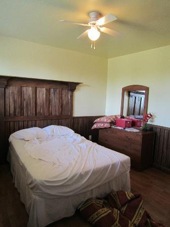 Hotel Sous la Croix : Interno camera