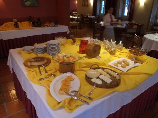 Pousada de Ourem - Fatima Historic Hotel: buffet dei dolci