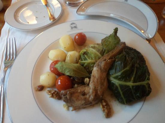 Pousada de Ourem - Fatima Historic Hotel: Coniglio al forno con verdure