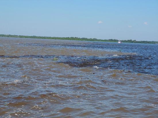 Pousada Manaus: Wasserzusammenfluss 