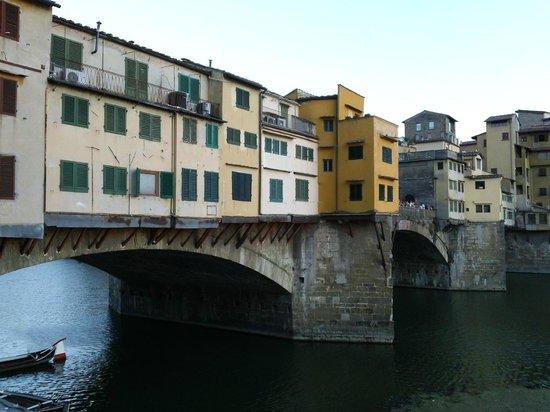 Florence Custom Tours: Ponta Vecchia at evening