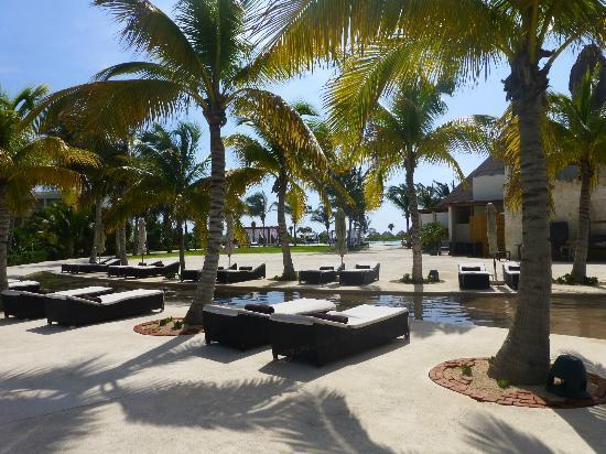 Secrets Maroma Beach Riviera Cancun La Piscina