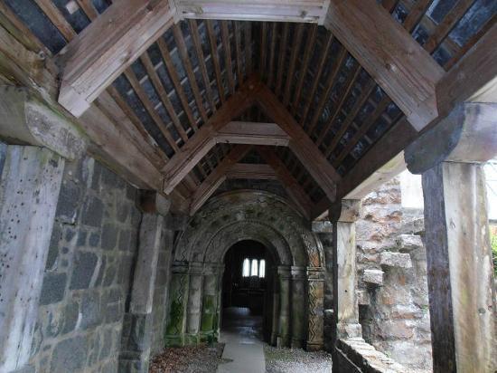 St Conan's Kirk: Cloistered entrance