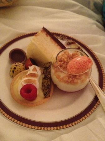The Ritz-Carlton, Naples: Dessert from the Club Level