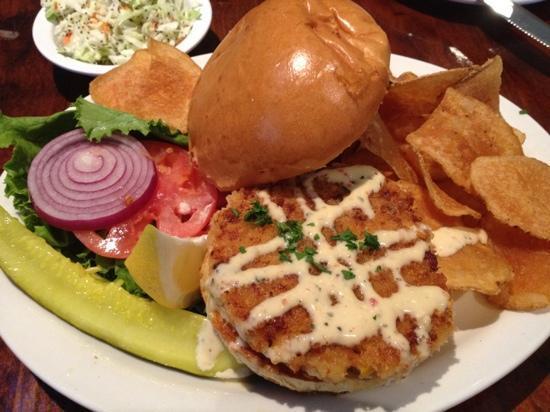 Freeport Seafood Co. : crab cake sandwich