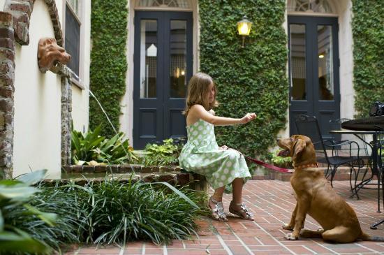 Kings Courtyard Inn is a dog-friendly hotel