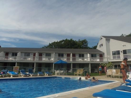 Kennebunkport, ME: Rooms and pool