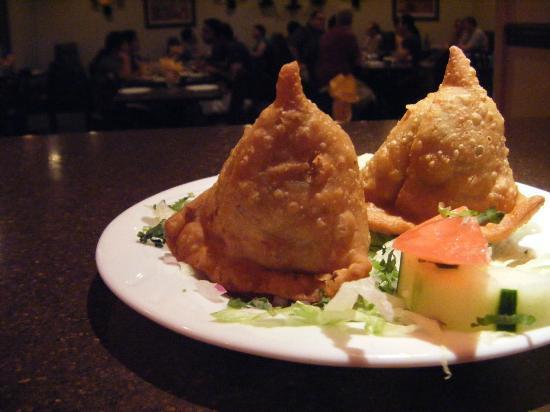 Punjab Cafe: Vegetable Samosas