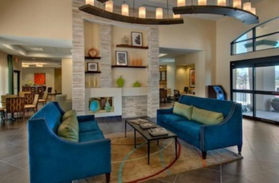 Days Inn & Suites Scottsdale North: Lobby Seating
