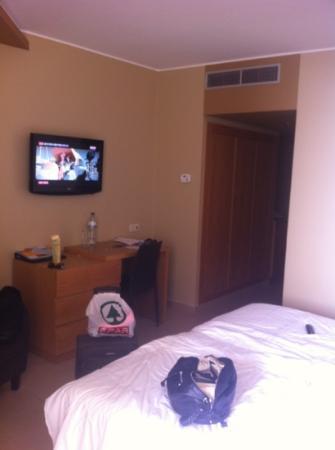 Four Views Oasis: room4