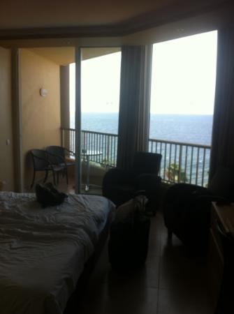 Four Views Oasis: room5