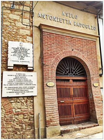 Grazzano Badoglio, Italia: il portone di ingresso della Casa-Museo.