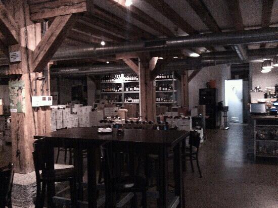 Wine Bar Lofty : inside