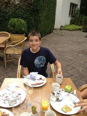 NH Bussum Jan Tabak: Back patio (breakfast)