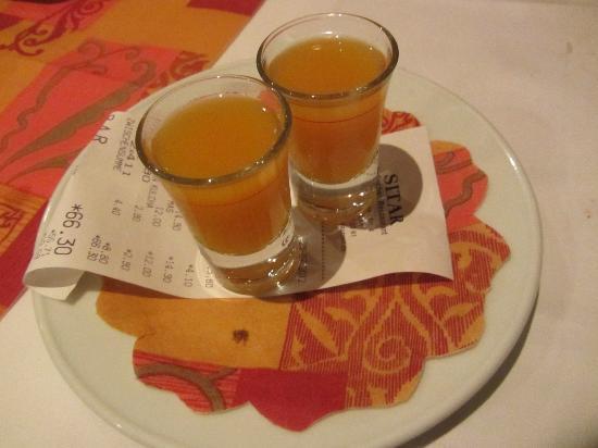 Sitar : ...und zum Abschluß des Abendessens
