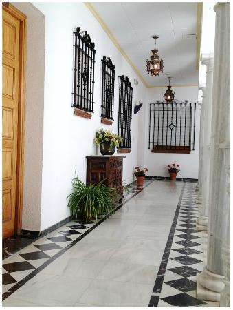 Los Omeyas Hotel : Pasillo