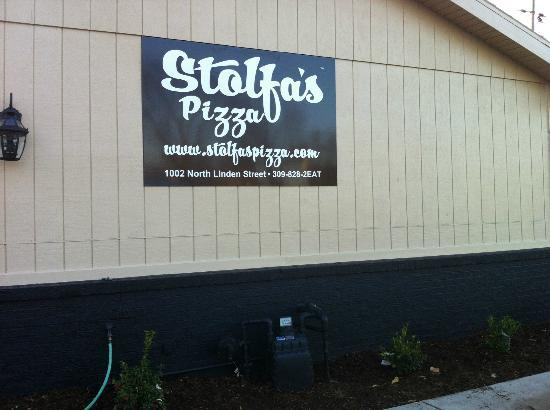 Stolfa's Pizza: outside building