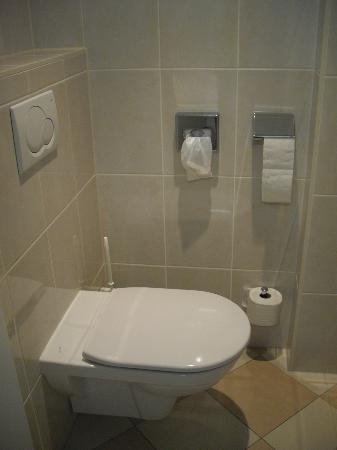 Hotel Erzherzog Rainer: Les toilettes indépendantes